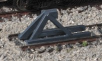 Walthers 2605 Track Bumpers Drk Gray 5/