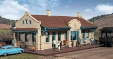 Walthers 2920 Mission style depot