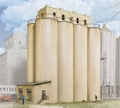 Walthers 2942 Modern Grain Head House with Silos
