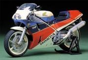 Tamiya 14057 Honda VFR 750R 1987