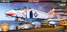 Academy 12232 F-4B Phantom VF-111 Sundowner