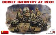 MiniArt 35001 Sowj. Panzerbesatzung bei der Pause
