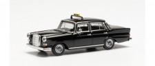 Herpa 095686 MB 200 Heckflosse (W110) Taxi schwarz