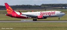 Herpa 533638 Boeing 737-MAX8 Spicejet/King Chilli
