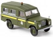 Brekina 13765 Land Rover 109 Harttop RAF Aircraft