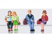 LGB 53006 Figuren-Set Reisende sitzend