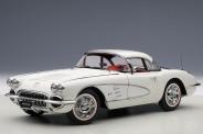 AUTOart 71147 Chevrolet Corvette weiß 1958