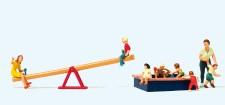 Preiser 10587 Spielende Kinder m. Wippe, Sandkasten