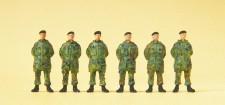 Preiser 16840 Soldaten stehend. Parka. Barett.