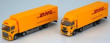 Tomytec 977872 Truck-Set, 2 LKW`s mit DHL-Deco
