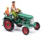 Busch Autos 40071 Traktor Kramer KL11 mit Bäuerin & Kind