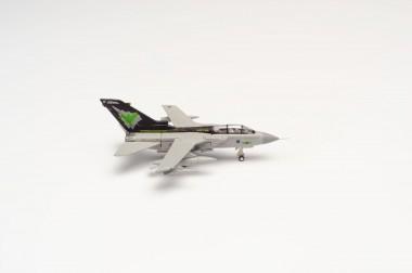 Herpa 570510 Panavia Tornado Gr.4 No IX Squadron