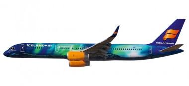 Herpa 610735 Boeing 757-200 Icelandair Hekla Aurora