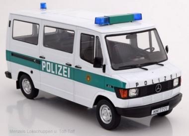 KK Modelle KKDC180292 MB 207D Bus Polizei