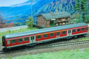 Kuehn 41322 DB Regio Personenwagen 1./2.Kl. Ep.5