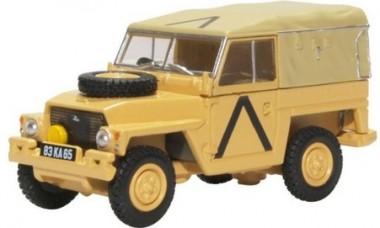 Oxford 76LRL008 Land Rover Lightweight Gulf War