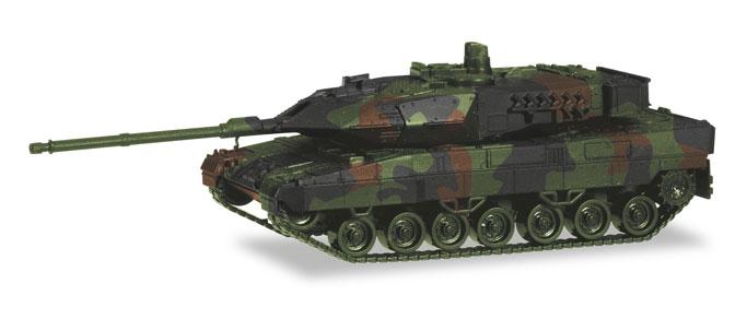dekoriert NEU in OVP Herpa 746175 Kampfpanzer Leopard 2A7