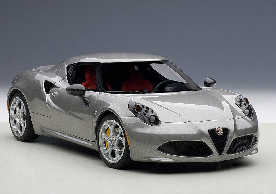 autoart 70187 alfa romeo 4c graumet 2013 menzels lokschuppen onlineshop. Black Bedroom Furniture Sets. Home Design Ideas