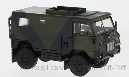 Oxford 76LRFCS001 Land Rover FC Signals Nato Green