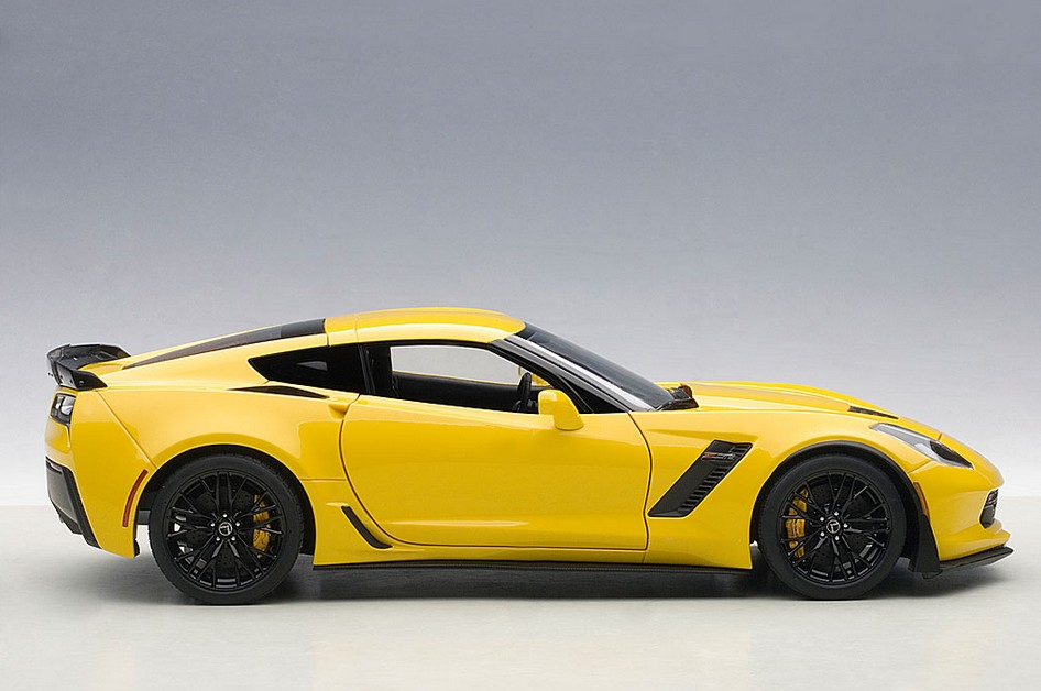 autoart 71263 chevrolet corvette c7 z06 gelb menzels. Black Bedroom Furniture Sets. Home Design Ideas